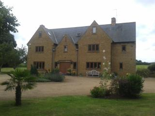 6 bedroom House with Internet Access in Banbury - Banbury vacation rentals
