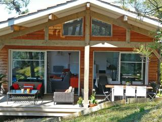 Wooden house nearby beaches and surf spot - Anglet vacation rentals