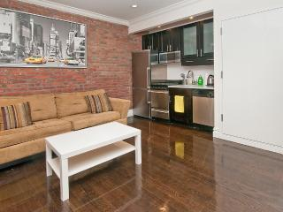 Fabulous 2 bed/1 bath near Times Square - New York City vacation rentals