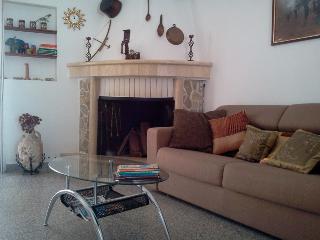 Bright 1 bedroom Condo in Crotone with Internet Access - Crotone vacation rentals