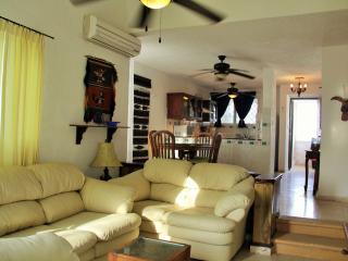 Nice 2 bedroom Condo in Progreso - Progreso vacation rentals