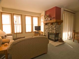 Nice Condo with 2 Bedroom, 2 Bathroom in Mammoth Lakes (#899 Links Way) - Mammoth Lakes vacation rentals