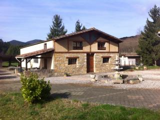 Les Reves in Arques, Aude, spacious 2 bed gite - Arques vacation rentals