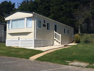 Modern 2014 Caravan on 5 * Shorefield Country Park - Milford on Sea vacation rentals