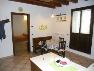 Cozy 2 bedroom Mira Townhouse with Internet Access - Mira vacation rentals