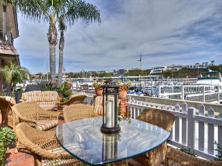 East Bayfront - Elegant Cottage on Balboa Island with large sleeping loft - Newport Beach vacation rentals