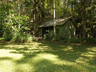 Lovely 1 bedroom Burringbar Cottage with Deck - Burringbar vacation rentals