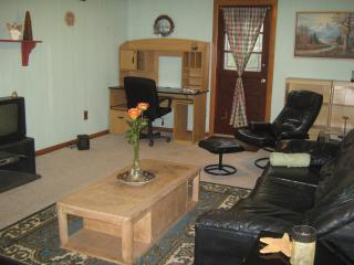 First Floor Garden Apt -Detached Home- with Yard - Staten Island vacation rentals