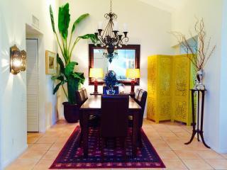 Beautiful Palm Springs Condominium - Palm Springs vacation rentals