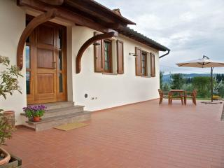 Lovely detached cottage with view of San Gimignano - San Gimignano vacation rentals