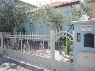 Residence Diffuso Arcobaleno Villa Rina 02 - Gabicce Mare vacation rentals