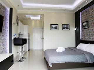 DeLuxe studio with balcony 8 floor - Pattaya vacation rentals