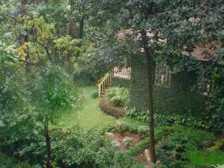 Belle Vue Cottage on 160 Year old Wooded Estate - Khandala vacation rentals