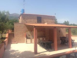 2 bedroom Villa with A/C in Trecase - Trecase vacation rentals