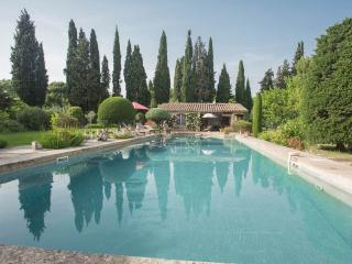 Nice Guest house with Internet Access and Shared Outdoor Pool - Le Paradou vacation rentals