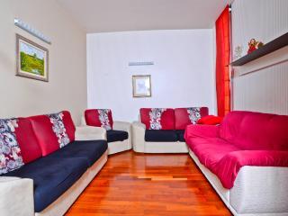 Apartment Kim - Podstrana vacation rentals