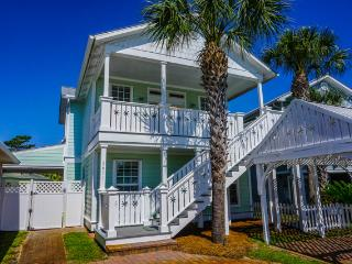 Summer/Fall Dates Available, Golf Cart for rent Pvt Pool pets Cls to Bch - - Destin vacation rentals