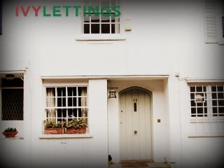 Paradise Walk (pro-managed by IVY LETTINGS) - London vacation rentals