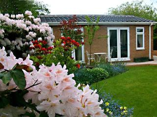 Holiday Cottage Apartment The Villa in Neston Wirral and Cheshire - Neston vacation rentals
