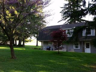 Beautiful 3 bedroom Cottage in Normalville with Internet Access - Normalville vacation rentals