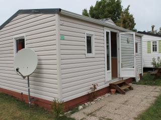 Nice Caravan/mobile home with Internet Access and Satellite Or Cable TV - Saint-Denis d'Oleron vacation rentals