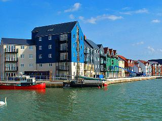 Seaside Sunny Vacation Beach No Smoking Apartment - Littlehampton vacation rentals