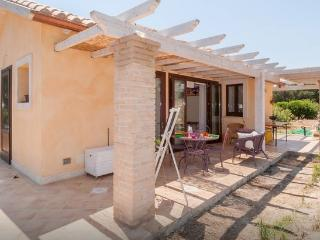 Gorgeous small villa two minutes walk from beach - Cagliari vacation rentals