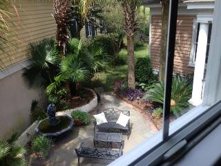 Beautiful Carriage House on Hobcaw Creek - Charleston vacation rentals