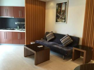 101 LUX NEW MRT 6-Star mgt gym pool sauna - Taipei vacation rentals