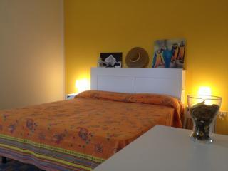 "villadeborah-residence miniappartamento ""girasole"" - Torre San Giovanni vacation rentals"