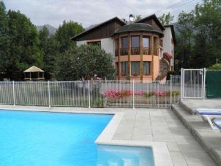 Appartement Dans Villa T3 70m² Piscine - Chorges vacation rentals