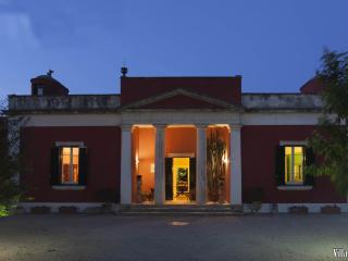 VILLA URSO - Monteroni di Lecce vacation rentals