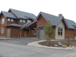 Stylish Mountain Getaway - Cle Elum vacation rentals