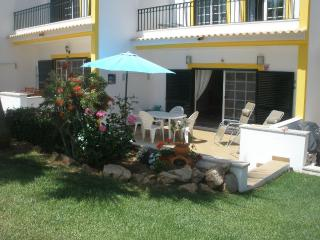 Townhouse  F - Guia vacation rentals