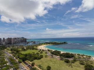 Beautiful 2 bedroom House in Honolulu with Internet Access - Honolulu vacation rentals