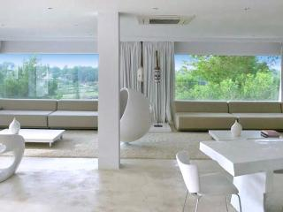 Spacious 6 bedroom House in Canor - Canor vacation rentals