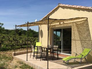 2 bedroom House with Internet Access in Magrie - Magrie vacation rentals