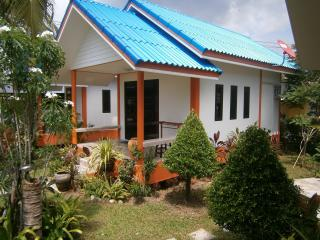 Bright 4 bedroom Khao Lak Bungalow with Internet Access - Khao Lak vacation rentals