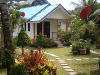 Bright 4 bedroom Khao Lak Bungalow with Internet Access - Khao Lak vacation rentals