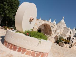 Bright 2 bedroom Villa Castelli Trullo with Housekeeping Included - Villa Castelli vacation rentals
