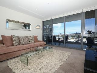 Beautiful 1 bedroom Apartment in Perth with Deck - Perth vacation rentals