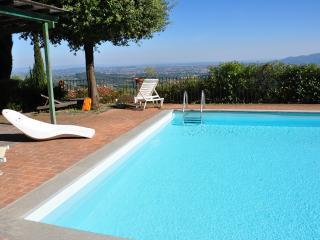 Casale sulle colline di Lucca La Loggia - Pieve Santo Stefano vacation rentals