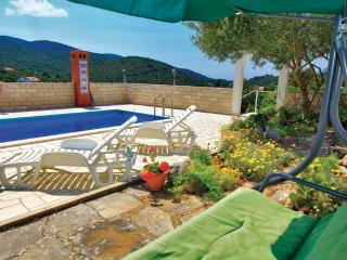 Nice Condo with Internet Access and Safe - Korcula Town vacation rentals