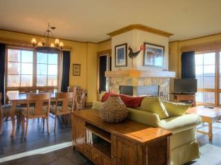 Mont Tremblant 3 BR, 2 BA House (L'Equinoxe   154-1) - Mont Tremblant vacation rentals