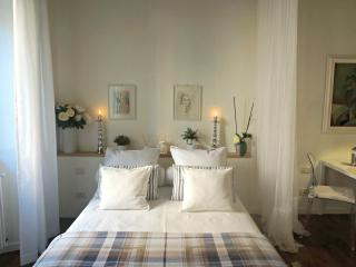 Nido Bianco a stylish hideaway in Tuscany - Vicopisano vacation rentals