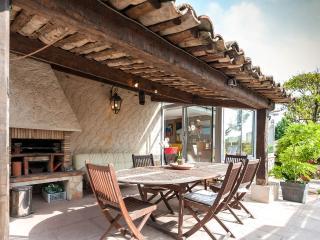 villa 7 pers ou 11p sur demande, Antibes ville mer - Antibes vacation rentals
