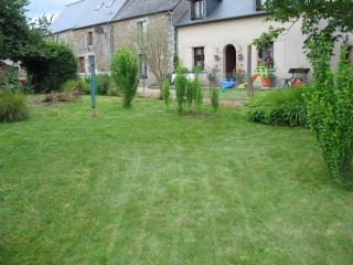 Beautiful Gite with Internet Access and Wireless Internet - Trevron vacation rentals