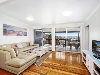 Beautiful 11 bedroom House in Terrigal with Deck - Terrigal vacation rentals