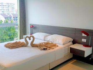 The Gallery Condominium Pattaya C66 - Jomtien Beach vacation rentals