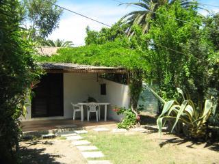 Villetta rustica con giardino, 50mt dalla spiaggia - Costa Rei vacation rentals